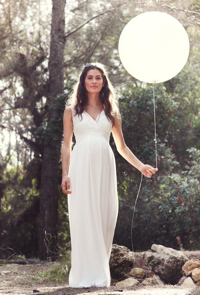 Eine trendige Mode für schwangere Frauen auf den Punkt gebracht…….